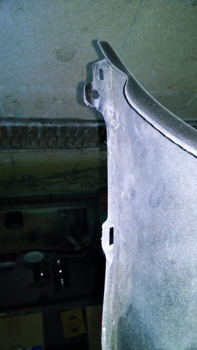 Ремонт крепления под болт бампера автомобиля Toyota Verso